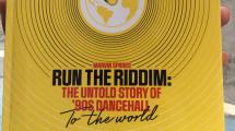 Run The Riddim : un ouvrage sur le dancehall des années 1990