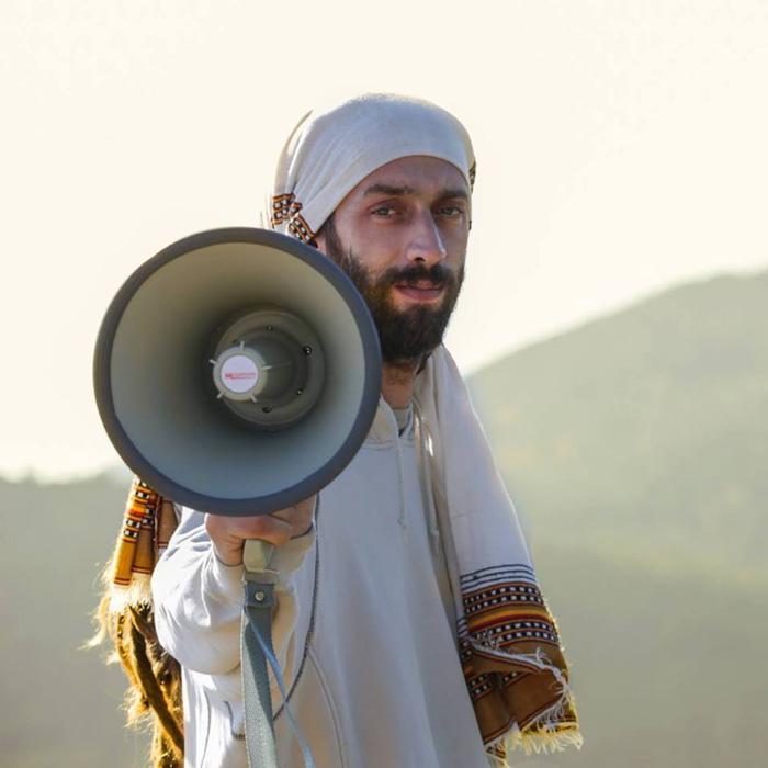 Fyah Max : 'Warn Di World' le clip