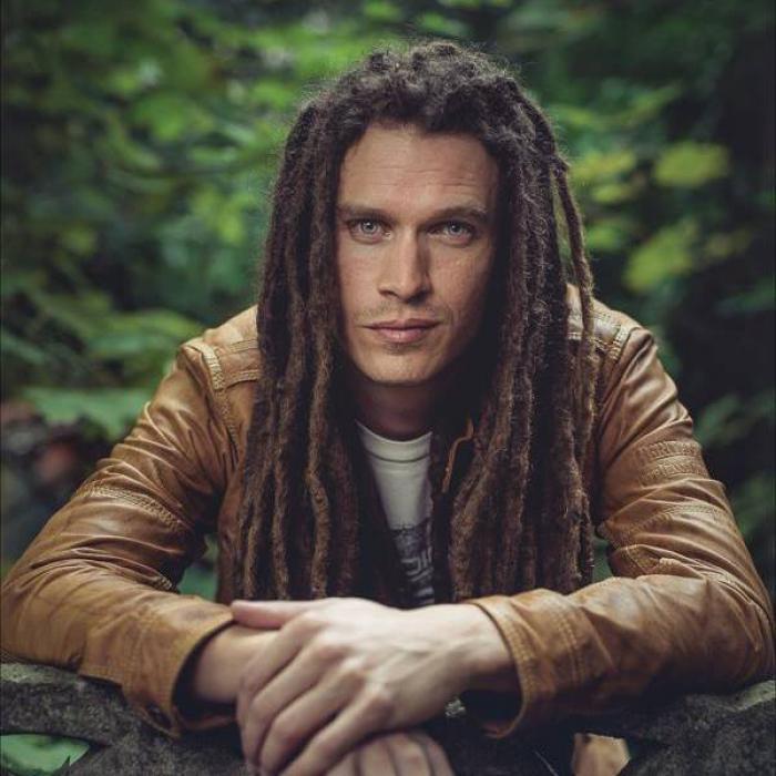Erik Arma : 'Ne m'en veux pas' lyrics video