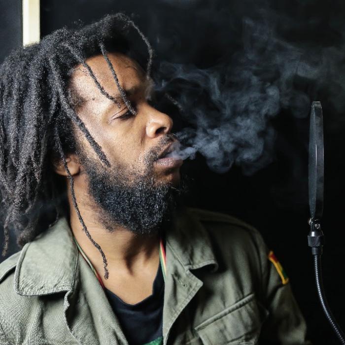 Micah Shemaiah : 'Zion Trod' le clip