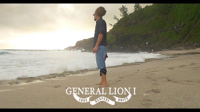 General Lion I : 'Différent' en images