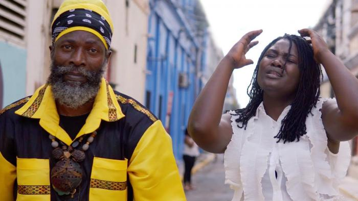 Capleton & Amanda Vibez : 'We Need a Change' le clip