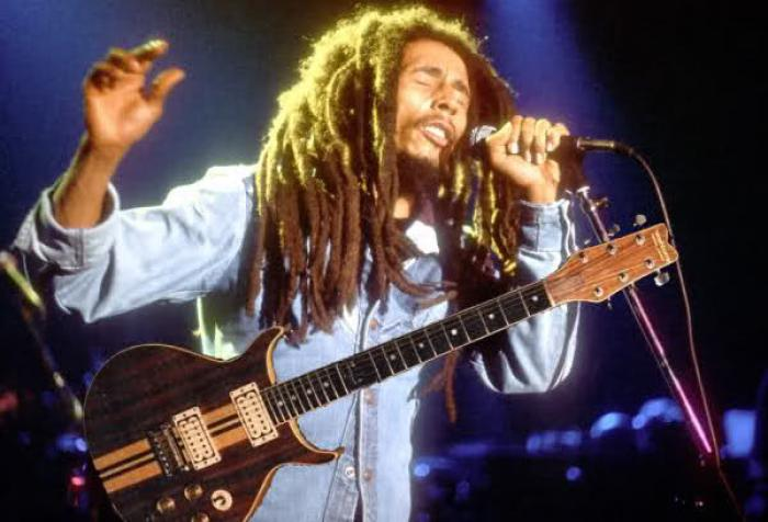 Bob Marley ou l'une des guitares les plus chères au monde