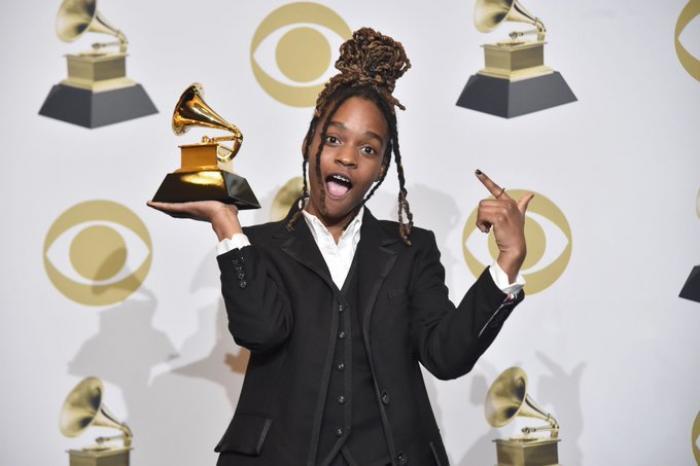 Koffee entre dans l'histoire avec un Grammy