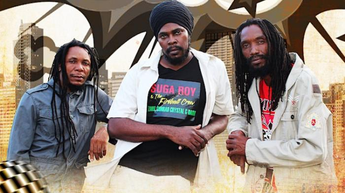 Suga Roy & The Fire Ball Crew rendent hommage à Tenor Saw