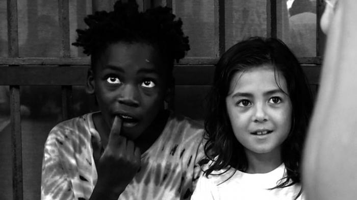 Skarra Mucci & L'Entourloop : un clip entourés d'enfants