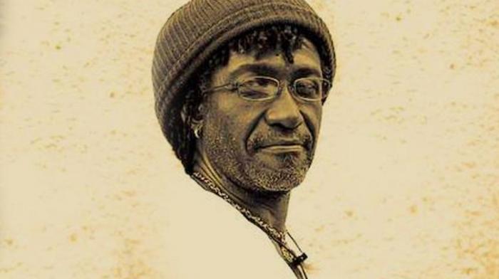 Sly Dubar, artiste rare et discret